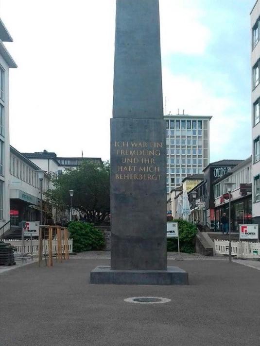 Obelisk_cropped